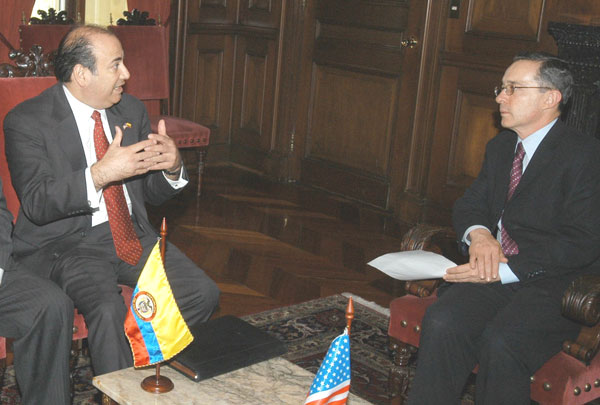 Assistant Secretary Noriega discusses Colombias progress in the war against narco-terrorism with Colombian President Alvaro Uribe. State Dept. Photo.