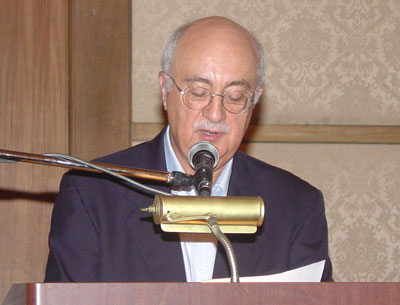 Ambassador Maisto, U.S. Representative to the OAS, addresses the ninth annual la Serie Houston seminar in Cartagena, Colombia on September 18, 2004.