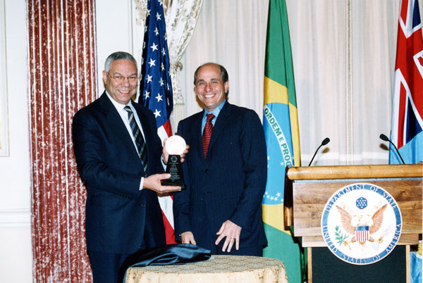 Secretary Powell presents an Award for Corporate Excellence to Edward J. Zander, Chairman and CEO, Motorola. State Dept. Photo.