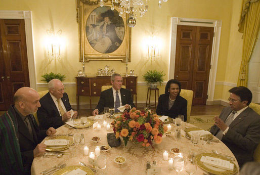 Photo President Bush Hosts Presidents Of Pakistan And