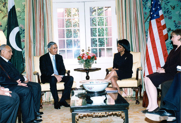 Secretary Rice with His Excellency Shaukat Aziz, Prime Minister of the Islamic Republic of Pakistan,  at  their bilateral held at the Blair House. State Departement photo