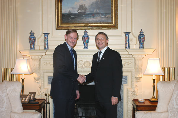 Deputy Secretary Zoellick shakes hands with New Zealand Defense and Trade Minister Phil Goff. Washington, DC, April 21, 2006. [Department of State photo.]