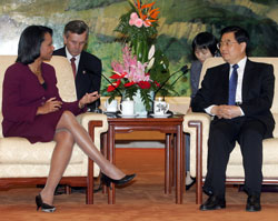 Secretary Rice meets with Chinese President Hu Jintao in Beijing, China, October 20, 2006.