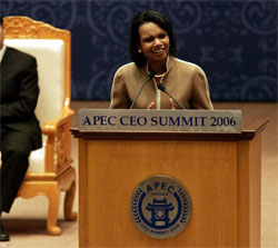 SecretaryRice makes a speechat the Asia Pacific Economic Cooperation (APEC) CEO Summit at National Convention Center in Hanoi, Vietnam November 18, 2006.  [AP photo]