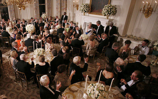 President Bush and guests toast Her Majesty Queen Elizabeth II of Great Britain on May 7, 2007, during the State Dinner in her honor at the White House. White House photo by Eric Draper.