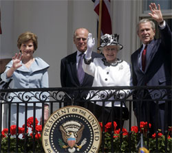 Photos President Bush Welcomes Queen Elizabeth Ii To The White House