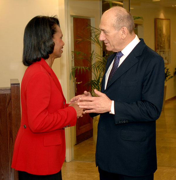 Secretary Rice meets with Israeli Prime Minister Ehud Olmert in his office in Jerusalem, October 14, 2007. Photo credit: Matty Stern/U.S. Embassy Tel - Aviv