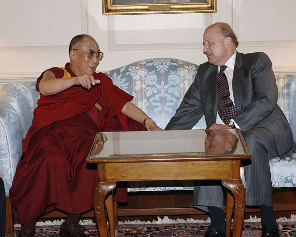 Deputy Secretary Negroponte meeting with His Holiness the Fourteenth Dalai Lama of Tibet  at the State Department.  State Department photo by Michael Gross