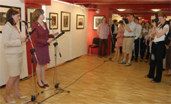 Ambassador Foley opens photo exhibit of Native American culture, May 28, 2008. [Attila Nemeth, U.S. Embassy Budapest]