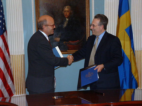 Assistant Secretary of State for Economic and Business Affairs E. Anthony Wayne and Swedish Ambassador Gunnar Lund September 30 signed a new Protocol to amend the existing bilateral income tax treaty between the United States and Sweden, concluded in 1994.