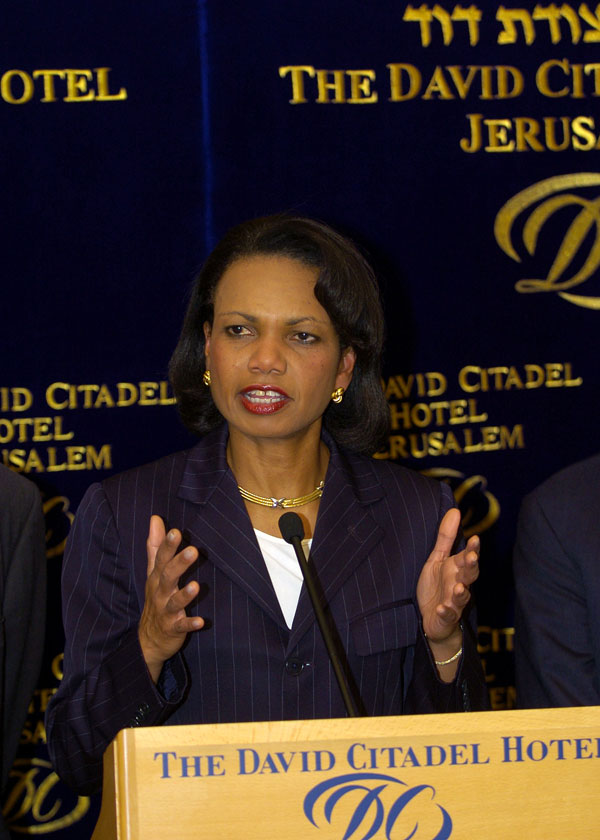 Secretary Rice announces the Agreement on Movement and Access between the Government of Israel and the Palestinian Authority in a press conference at the David Citadel Hotel.