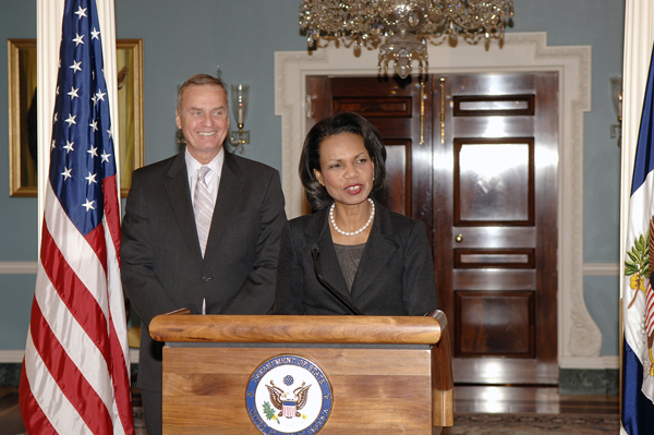 Secretary Rice speaks from the podium with General James Jones, Special Envoy for Middle East Security at his announcement ceremony.