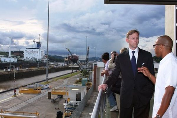 Date: 08/29/2008 Location: Panama Canal Description: Assistant Secretary Brian H. Hook receives a briefing on international maritime issues at the Panama Canal. State Dept Photo